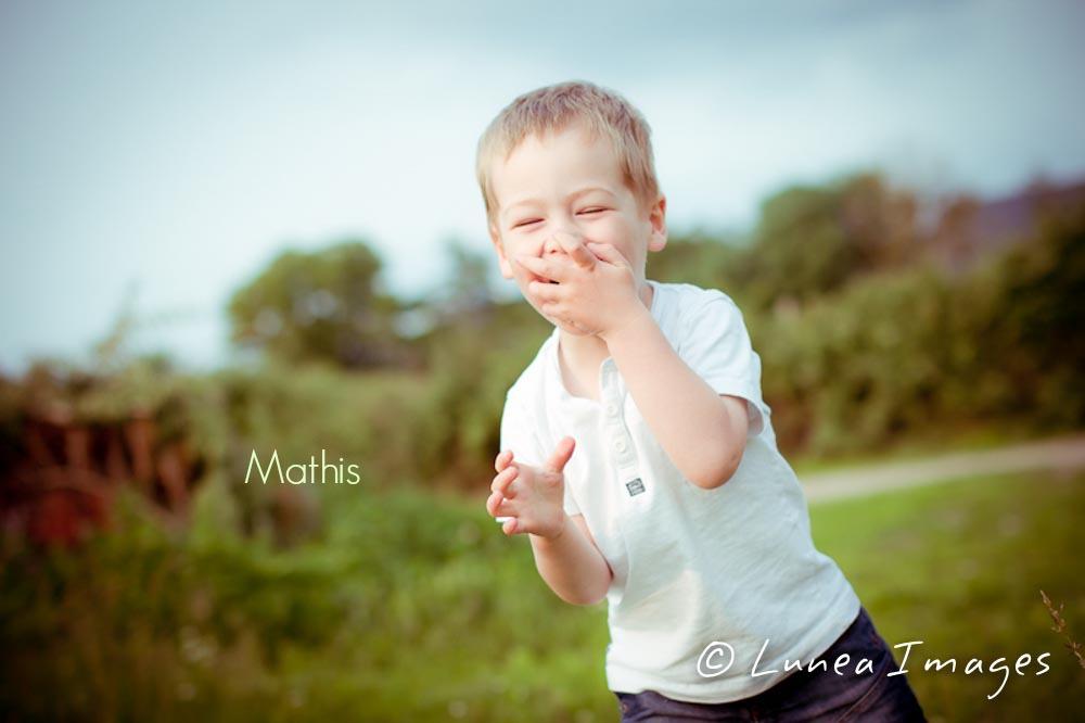 IMG_2430lunea-images-photographe-specialiste-enfance-mariage.jpg